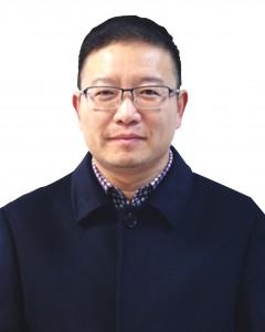 董自成正道中学高中部校长,中学语文高级教师,国家二级心理咨询师。